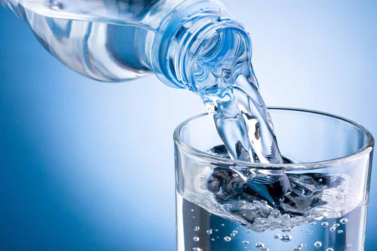 Alcalinizzare l'acqua, tre metodi efficaci