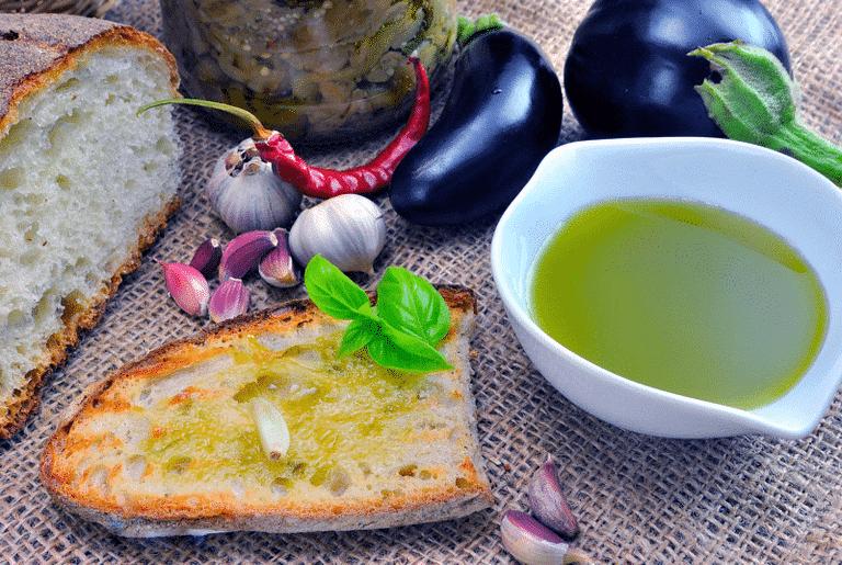 L'Olio extravergine di oliva, caratteristiche e benefici